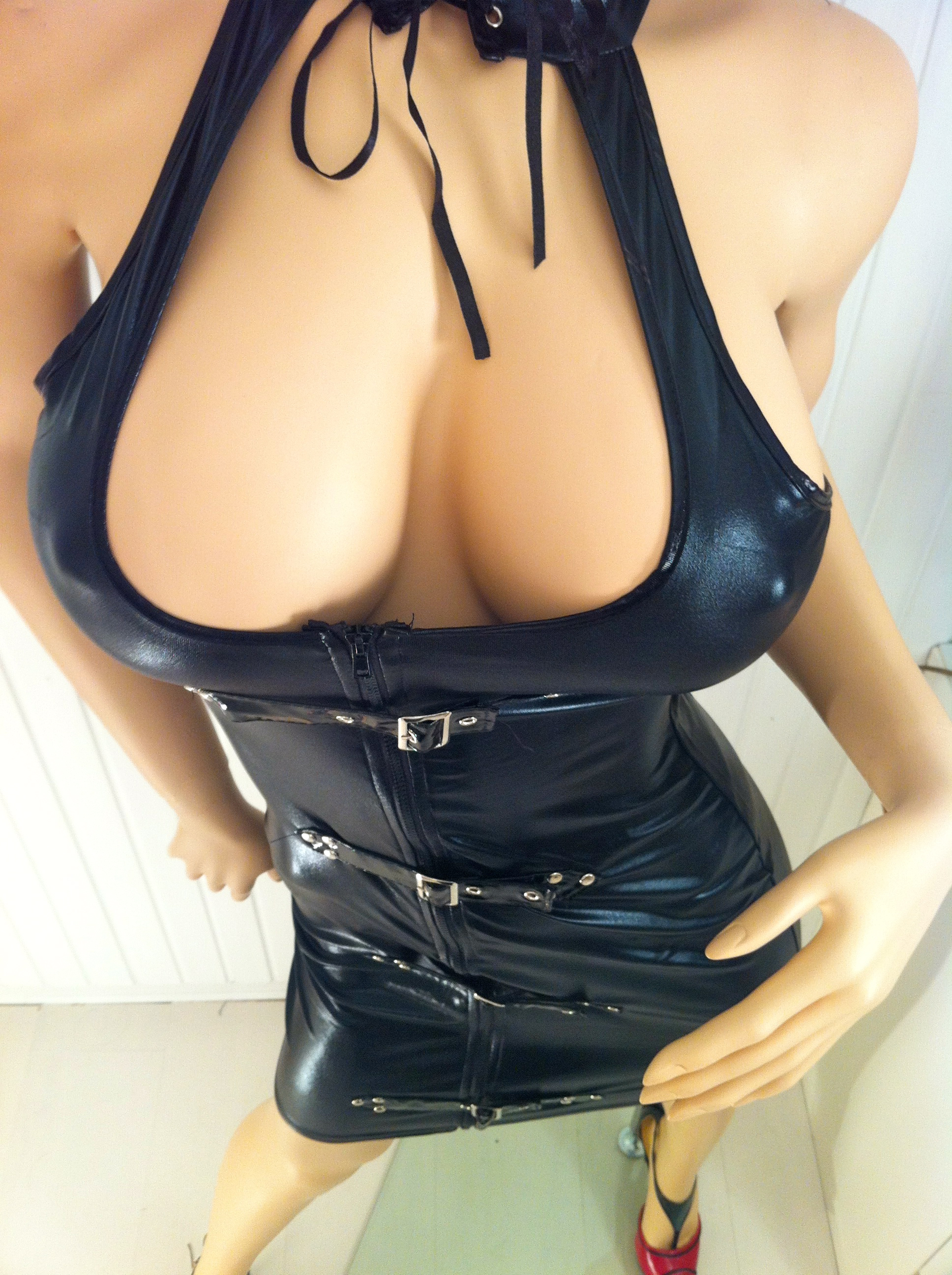 stuttgart sex shop latex catsuit tease